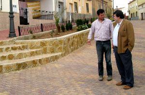 RECORRIDO. Angel Alfaro, junto a Antonio Serrano